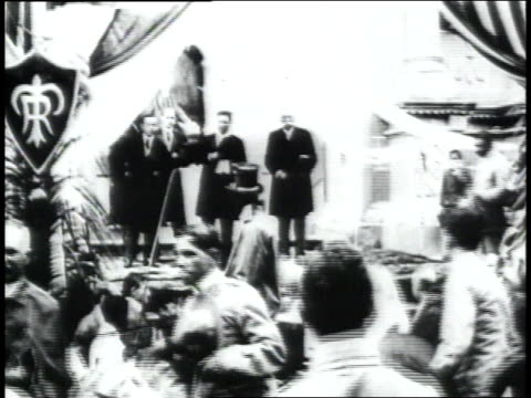 president amador guerrero welcoming president theodore roosevelt / panama - anno 1906 video stock e b–roll