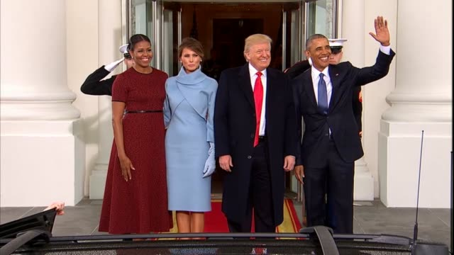 vídeos de stock, filmes e b-roll de president barack obama and michelle obama president elect donald trump and wife melania pose for pictures before retreating into the white house for... - barack obama