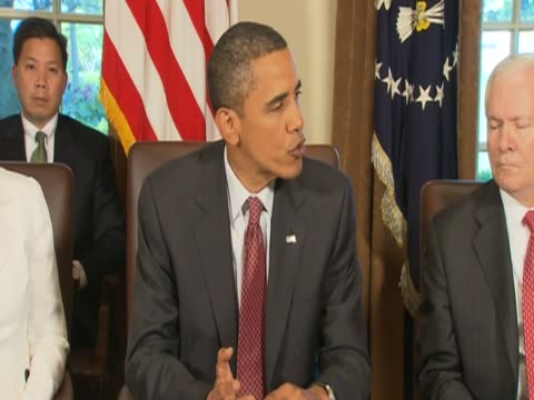 president barack obama comments on government efforts to tame oil spill crisis during cabinet meeting - 飼い慣らされた点の映像素材/bロール