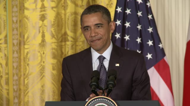 vídeos de stock e filmes b-roll de president barack obama comments on the 1-year anniversary of the death of osama bin laden. separately, the detention of chen guangcheng, the blind... - conferência de imprensa
