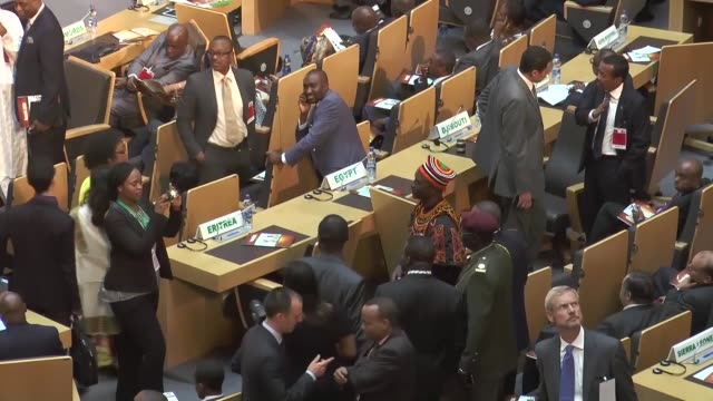 vidéos et rushes de president barack obama delivers a speech at the african union headquarters in addis ababa, ethiopia on july 28, 2015. footage by mohammed abdo /... - président