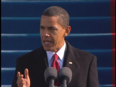 president barack obama delivers his inauguration day speech on january 20, 2009. - 2009年点の映像素材/bロール