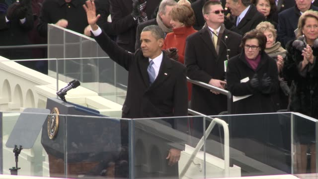 vídeos de stock, filmes e b-roll de president barack obama finishes his second inaugural speech barack obama sworn into office for second term at us capitol west front on january 21... - tomada de posse