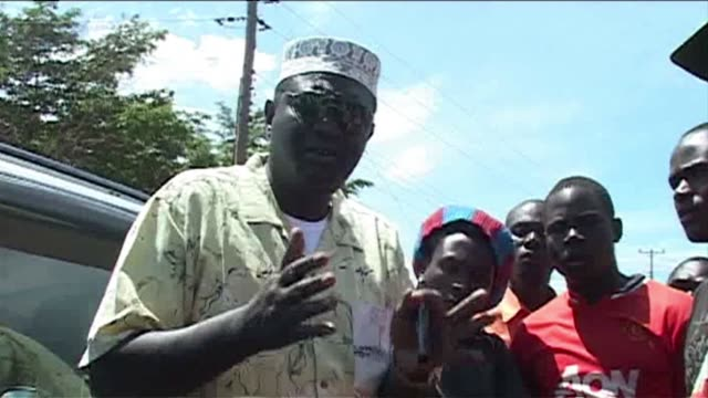 president barack obama half brother has hit the campaign trail in his native kenya in a bid to get a county gubernatorial seat in the upcoming march... - gebot stock-videos und b-roll-filmmaterial
