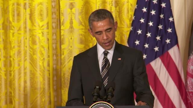 us president barack obama hosts afghanistan's president ashraf ghani this section includes soundbite on delaying the drawdown of american troops from... - 2001年~ アフガニスタン紛争点の映像素材/bロール
