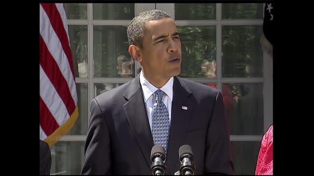 stockvideo's en b-roll-footage met president barack obama issues a statement on american preparedness during the 2009 h1n1 pandemic. - varkensgriep