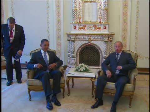 president barack obama meets with russian prime minister vladimir putin in moscow, russia. - demokrati bildbanksvideor och videomaterial från bakom kulisserna