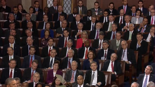 president barack obama says in his final state of the union address that bringing americans together is not the job of the president alone pointing... - rede zur lage der nation usa stock-videos und b-roll-filmmaterial