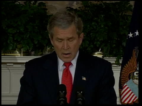 stockvideo's en b-roll-footage met president bush speaks out against gay marriage/ start of election campaign pool washington dc the white house president george wbush into room for... - george w. bush