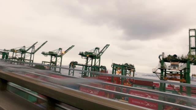 vídeos de stock, filmes e b-roll de president costa e silva bridge in rio de janeiro, brazil - porto comercial