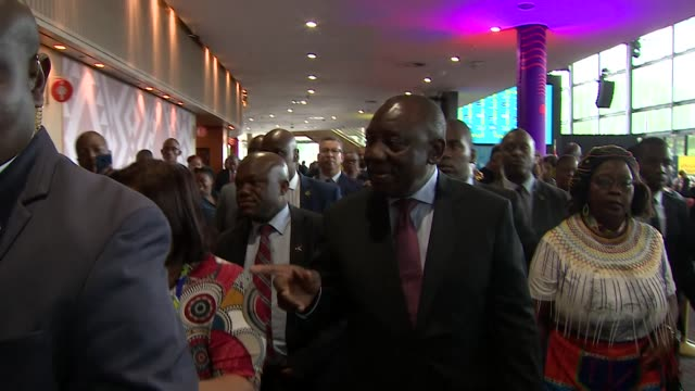 vídeos de stock e filmes b-roll de president cyril ramaphosa south african president arrives at international convention centre in durban on the anc election campaign trail - eleição