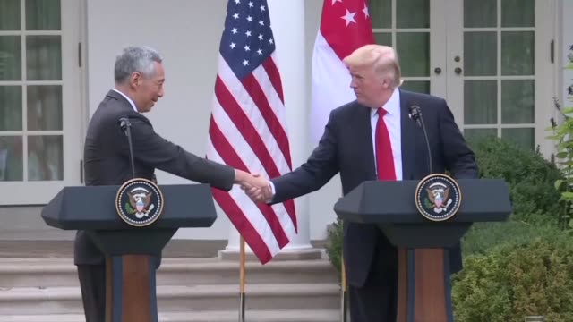 US President Donald Trump and Singapore Prime Minister Lee Hsien Loong commend Singapore Airlines and Boeing on the deal worth nearly $14 billion...
