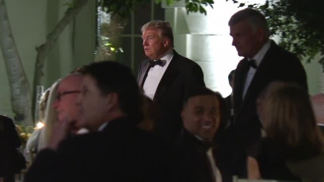 vídeos de stock e filmes b-roll de us president donald trump hosts state diner in the rose garden at the white house for the australian prime minister scott morrison - jardim das rosas da casa branca