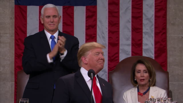 vidéos et rushes de president donald trump presents the 2019 state of the union to the nation, in front of a joint session of congress. members of congress: the state of... - président