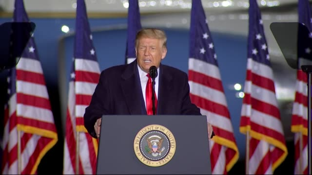 vidéos et rushes de president donald trump says at an outdoor campaign rally at central wisconsin airport that he would love to go to portland, in the saddle officials... - afghanistan