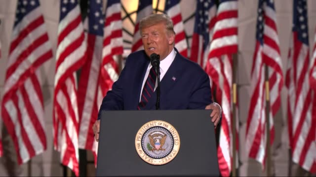 vidéos et rushes de president donald trump says in live broadcast remarks to the republican national convention on the white house south lawn before an audience that joe... - président