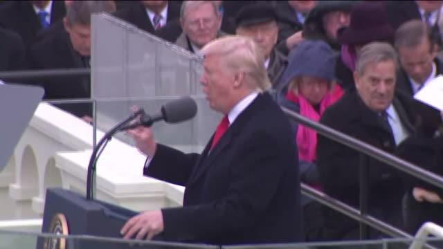 vídeos de stock, filmes e b-roll de wpix president donald trump's inaugural address every four years we gather on these steps to carry out the orderly and peaceful transfer of power and... - tomada de posse