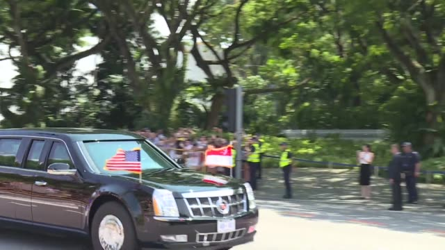 president donald trump's motorcade arrives at istana palace where he will meet singaporean prime minister lee hsien loong and share a lunch a day... - prime minister video stock e b–roll
