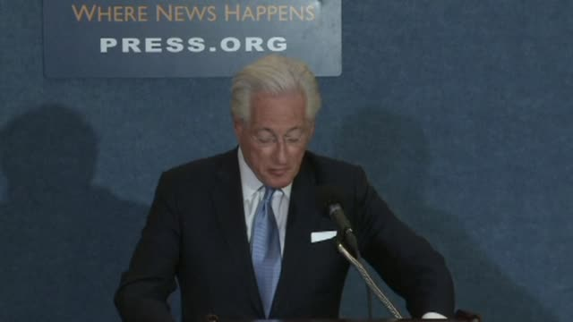 US President Donald Trump's personal lawyer Marc Kasowitz speaks to reporters at the National Press Club in Washington DC after fired FBI chief...