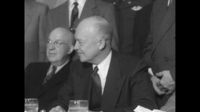 vídeos de stock, filmes e b-roll de president dwight d eisenhower at meal table with his brothers and other men front row l to r earl eisenhower arthur eisenhower dwight eisenhower... - dwight eisenhower