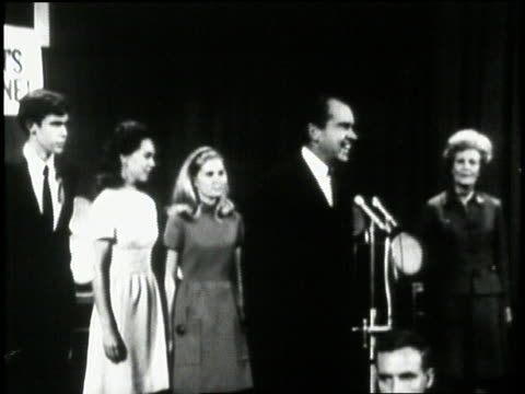 vídeos y material grabado en eventos de stock de president elect richard nixon jokingly compares winning his campaign and losing years before. - 1968
