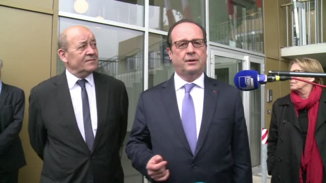 stockvideo's en b-roll-footage met president francois hollande says the sale of 36 rafale fighter jets to qatar will bring jobs and benefits to france, adding that the deal confirms... - west europa