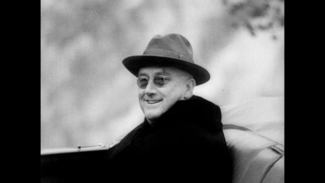 / president franklin roosevelt and his entourage arrive at yellowstone park / fdr enjoys the views with his family by car / waterfall / fdr smiling... - 1937 bildbanksvideor och videomaterial från bakom kulisserna