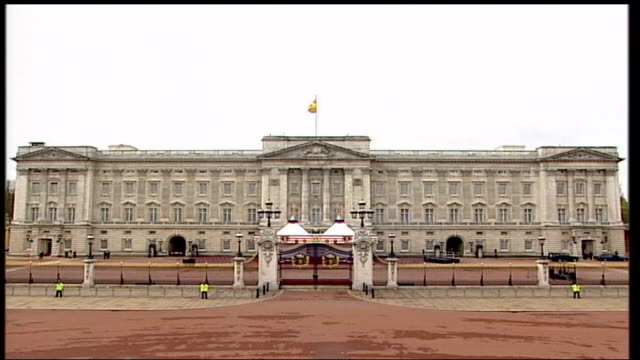 royals and george bush viewing exhibition inside buckingham palace england london buckingham palace royals and american visitors viewing art side... - fade out stock videos & royalty-free footage