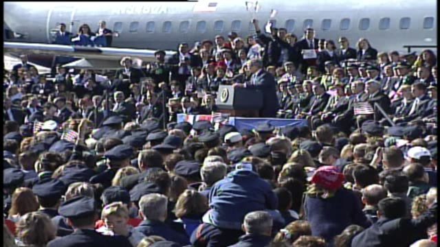 president george w bush gives speech to airline employees at chicago o'hare airport on september 27 2001 in chicago illinois - 2001 stock-videos und b-roll-filmmaterial