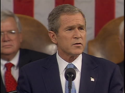 """vidéos et rushes de president george w. bush is making an address to congress following the 9/11 terrorist attack on america. george bush states, """"the terrorist fringe... - war or terrorism or military"""