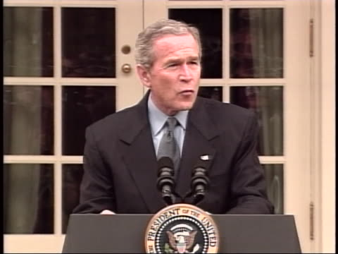 president george w bush mistakenly says that america has the best workforce in america full soundbite is as follows most of the new jobs in america... - ngクリップ点の映像素材/bロール