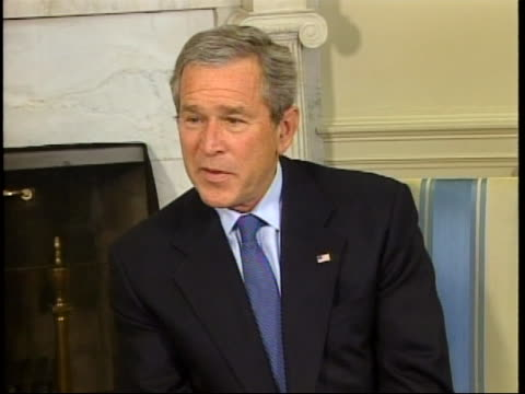 president george w bush mistakenly says the word erections instead of elections full soundbite is as follows i'm also looking forward to the iraqi... - ngクリップ点の映像素材/bロール
