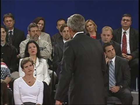 president george w bush mistakenly uses the word internets during a 2004 presidential debate against john kerry full soundbite is as follows that's a... - ngクリップ点の映像素材/bロール