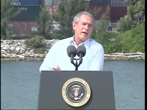 president george w bush talks about a night out in miami that he spent with his brother thengovernor of florida jeb bush full soundbite is as follows... - ngクリップ点の映像素材/bロール