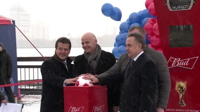 vídeos de stock, filmes e b-roll de fifa president gianni infantino participates in the ceremony to begin the count down to the fifa 2018 world cup in the russian city of kazan - gianni infantino