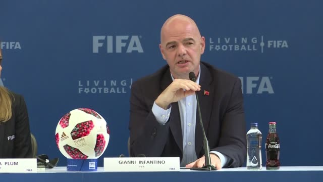 vídeos de stock, filmes e b-roll de president gianni infantino said on friday he was optimistic about organising the 2022 world cup in qatar with 48 teams instead of 32 but warned that... - gianni infantino
