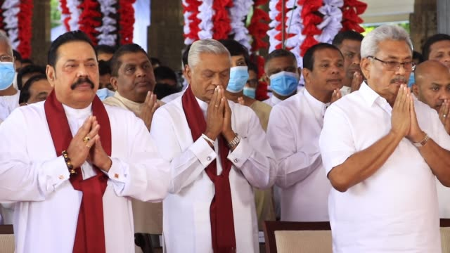 vídeos de stock e filmes b-roll de president gotabaya rajapaksa and his brothers prime minister mahinda rajapaksa and chamal rajapaksa who was appointed as the cabinet minister of... - prime minister