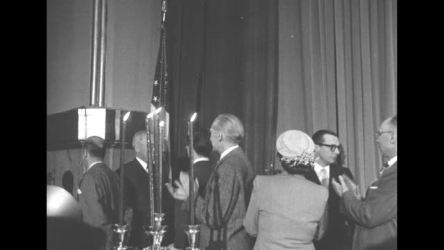 ms president harry s truman enters to speak to the convention of the columbia scholastic press association people clapping as he does so - waldorf astoria new york stock videos & royalty-free footage