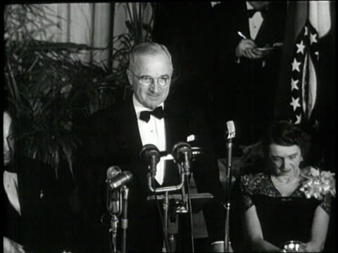 us president harry s truman makes a speech at a victory party after winning the presidential election - 1948年点の映像素材/bロール