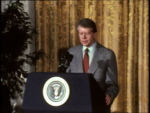 vidéos et rushes de president jimmy carter gives speech to commemorate the 30th anniversary of the universal declaration of human rights. president carter on human... - président