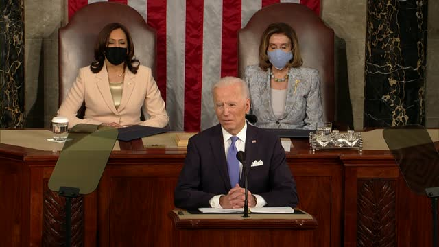 president joe biden tells a joint session of congress that investments in jobs and infrastructure like the ones discussed often had bipartisan... - 副代表点の映像素材/bロール