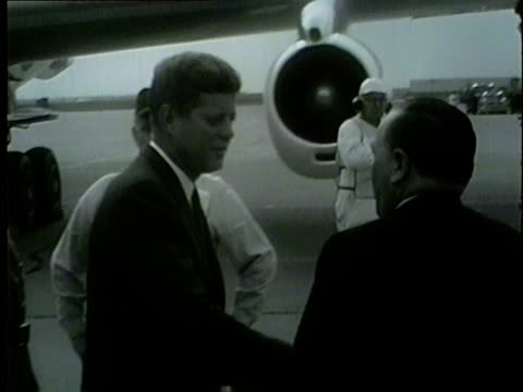wgn president john f kennedy visited chicago on oct 19 1962 as a part of a congressional campaign trip cheers erupted as he made his way down the... - 1962 stock-videos und b-roll-filmmaterial
