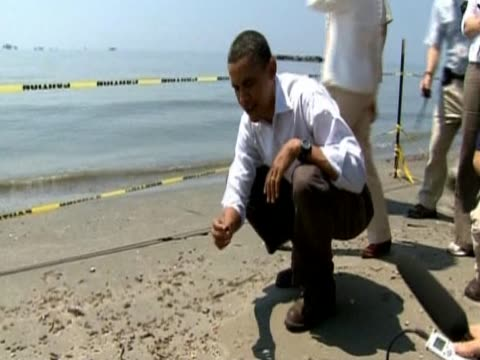 US President Obama visited the shores of Fourchon Beach Louisiana to examine effects of BP oil spill