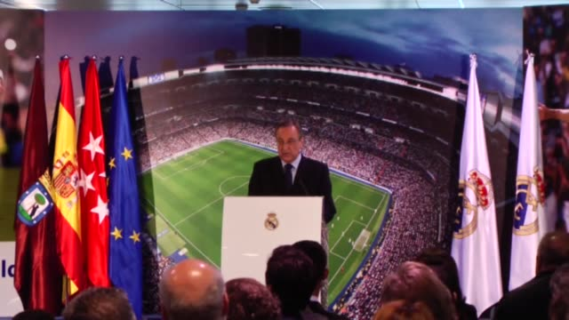 vídeos y material grabado en eventos de stock de president of real madrid fc florentino perez and cristiano ronaldo of real madrid hold a press conference after signing a new fiveyear contract with... - 2016