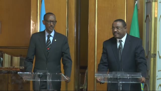 president of rwanda paul kagame holds a joint press conference with prime minister of ethiopia hailemariam desalegn in addis ababa, ethiopia on april... - ルワンダ点の映像素材/bロール