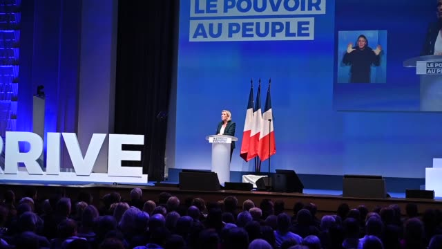 vidéos et rushes de president of the rassemblement national farright party marine le pen speaks during a meeting to launch their campaign for the european parliament... - président