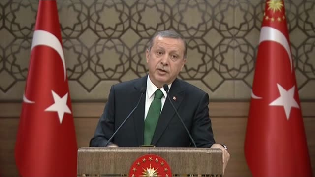 president of turkey recep tayyip erdogan delivers a speech during the mukhtars meeting at the presidential complex in ankara turkey on january 6 2016... - {{relatedsearchurl(carousel.phrase)}}点の映像素材/bロール