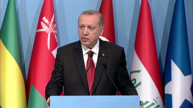 president of turkey recep tayyip erdogan speaks during a joint press conference with palestinian prime minister rami hamdallah and oic secretary... - united states congress点の映像素材/bロール
