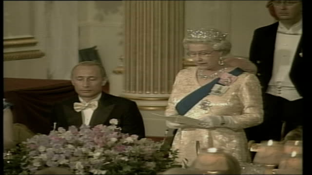 president putin state visit: royal state banquet at buckingham palace; england: london: buckingham palace: queen elizabeth ii stands & delivers... - state dinner stock videos & royalty-free footage