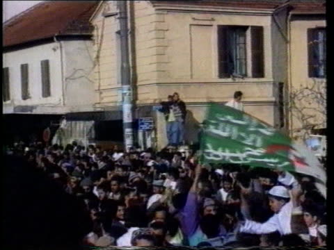president resigns algeria supporters at demonstration 
